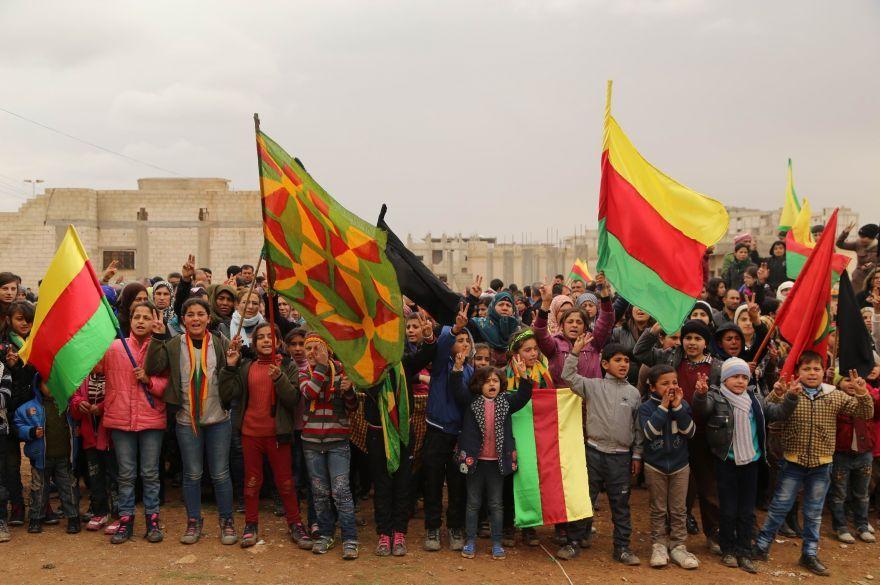 880x585cc-kobane-15-02-15-komplo-protesto6